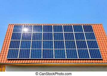 solarmodul, auf, a, dach, unter, der, wolkenlos,...