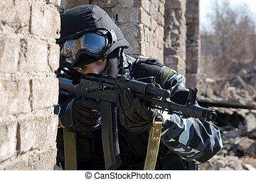 soldado, apuntar, automático, blanco, rifle