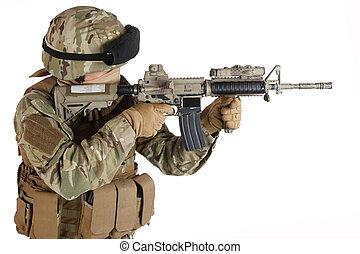 soldado, com, rifle crime tentado