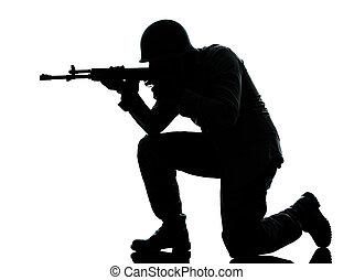 soldado, disparando, ejército, hombre