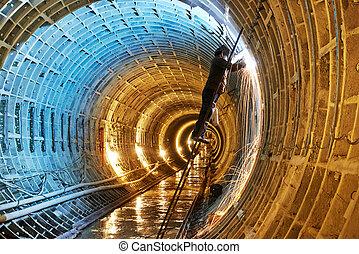 soldador, en, metro, metro, interpretación el sitio