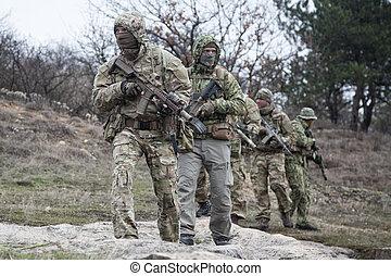 soldados, bosque, ejército, patrullar, militar, equipo