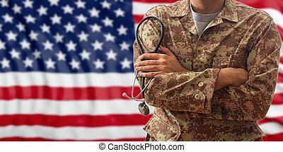 soldat, hos, stetoskop, ind, en, amerikaner, militær ensartet, beliggende, på, en, flag usa., baggrund
