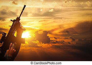 soldat, in, kampf, schießen, mit, seine, waffe, rifle., kriegsbilder, armee, begriff