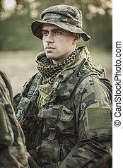 soldat, in, likformig