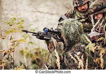 soldat, jagt, en, angribe, snigskytte, gevær