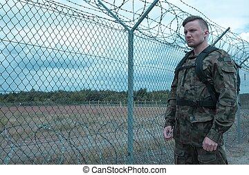 soldat, stående, vakt