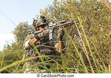 soldat, under, den, militär, operation, i fjällen, hos, solnedgång