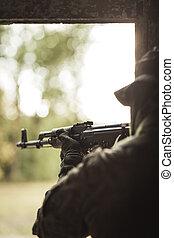 soldat, vapen, avskjutande, automatisk