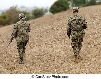 soldats marine, deux