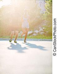 soleggiato, correndo