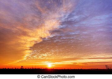 soleil, ciel dramatique, coucher soleil, nuageux