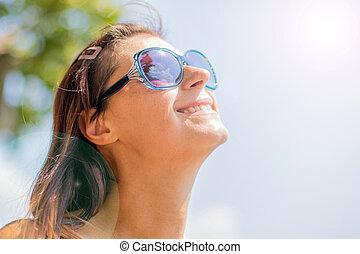 soleil, décontracté, haut, jeune regarder, blonds, fin, sourire
