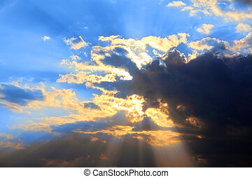 soleil, derrière, nuages, orage