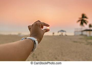 soleil, femme, attraper, doigts, sunset.