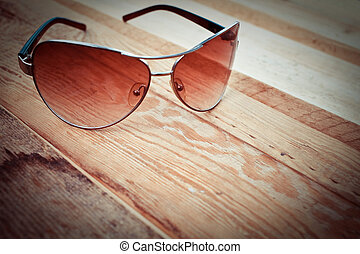 solglasögon, på, a, trä, bakgrund
