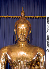 Solid Gold Buddha - The world\'s largest (5-1/2 tons) solid...