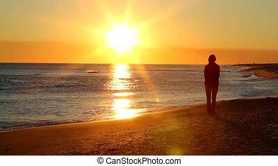 solitaire, coucher soleil, retraité