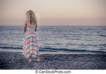 solitaire, plage, enfant