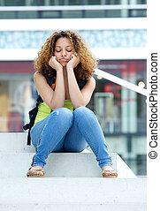 solitario, studente femmina