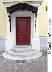solitario, vecchio, semicircular, strada, passi, porta, rosso