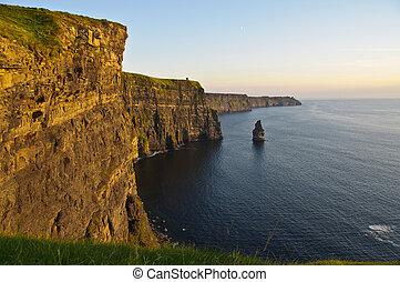 solnedgång, över, berömd, moher klippor, län clare, irland