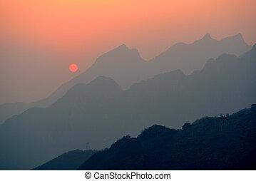 solnedgång, över, mountains