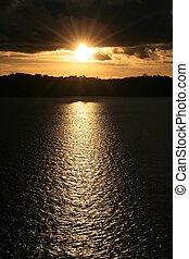 solnedgång, över, vatten