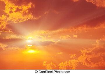 solnedgång, i rött, mulen himmel