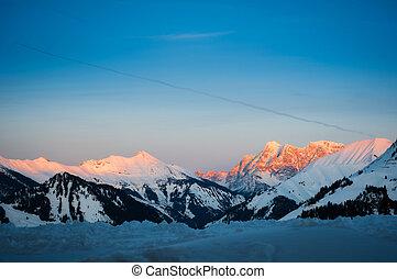solnedgång, in, tyrol, snö, fjäll, alperna, hos, vinter