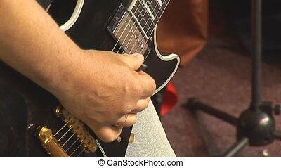 solo guitar 4 - playing solo guitar