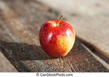 solo, mela rossa