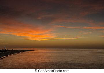 solopgang, hen, atlantiskere ocean, off, den, kyst, i, fuerteventura, hos, lille, bølger