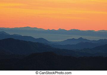 soluppgång, i fjällen, landskap.