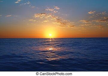 soluppgång, solnedgång i ocean, blå, hav, glödande, sol
