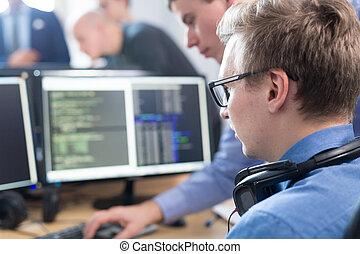 solving., arbete, affär, start, skrivbord, computer., problem, exploatören, mjukvara