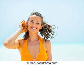 som, concha, mar, mulher jovem, escutar, retrato, feliz