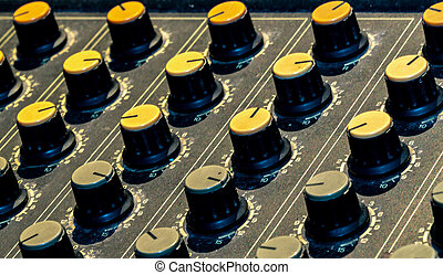 som, controle, engineer., console, knob., ajustar, misturador, console., gravando, desk., transmissão, música, faders, misturando, rádio, áudio, painel, studio.