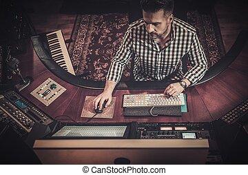 som, trabalhando, boutique, gravando, misturando, studio.,...