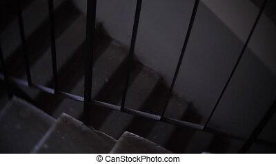 sombre, bâtiment, escalier