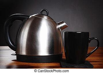 sombre, grande tasse, bouilloire, fond