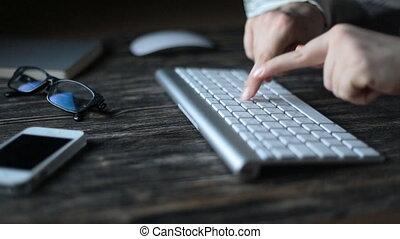 sombre, ordinateur clavier, salle, mains