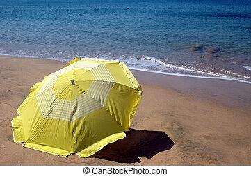 sombrero de playa, amarillo