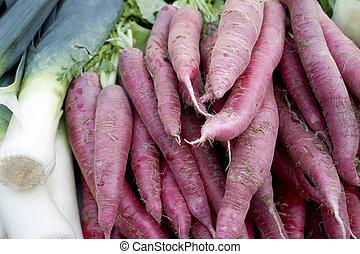 radish and field garlic