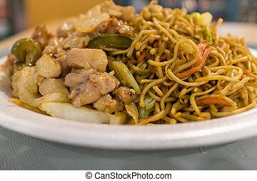 szechuan chicken chow mein