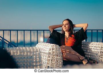 sommar, kvinna, semester, avkopplande, lycklig