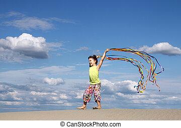 sommar, litet, scen, flicka, strand, leka, lycklig