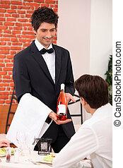sommelier, het voorstellen, een, wijntje