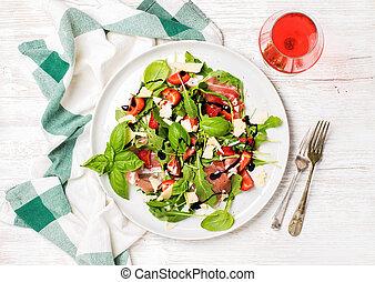 sommer, arugula, prosciutto, erdbeer, salat, mit, glas, von, rose wein
