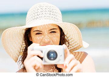 sommer, frau reden, bilder, mit, digital kamera